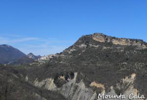 DSCN01085 300x205 Le village dominé par le Mont St Michel